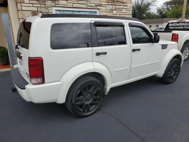 2007 WHITE DODGE NITRO R/T (1D8GU586X7W) with an 4.0L engine, Automatic transmission, located at 203 W 4th St, Salem, VA, 24153, (540) 387-1960, 37.286282, -80.061623 - Photo #0