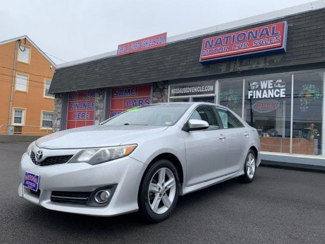 2012 SILVER TOYOTA CAMRY BASE (4T1BF1FK7CU) with an 2.5L engine, Automatic transmission, located at 3832 Williamson Rd NW, Roanoke, VA, 24012, (540) 265-3910, 37.334156, -79.954811 - Photo #0