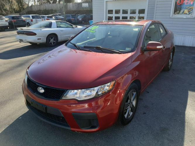 2010 RED KIA FORTE EX (KNAFU6A25A5) with an 2.0L engine, Automatic transmission, located at 4714 Williamson Rd, Roanoke, VA, 24012, (540) 266-7623, 37.350895, -79.942566 - Photo #0