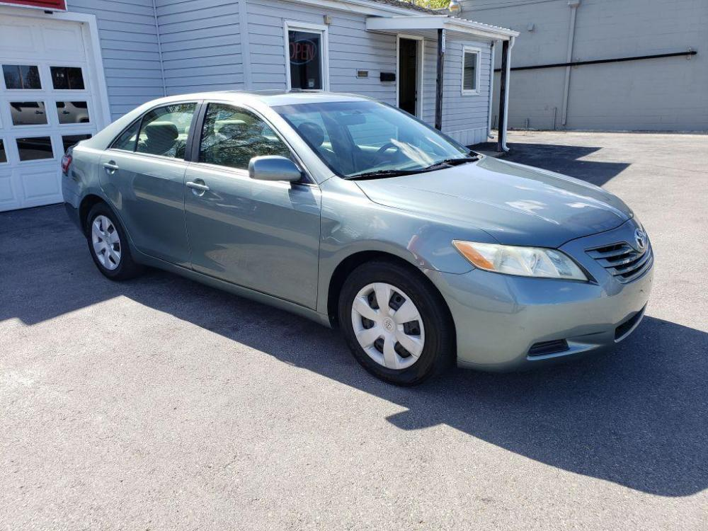 2007 GREEN TOYOTA CAMRY CE (4T1BE46K27U) with an 2.4L engine, Automatic transmission, located at 4714 Williamson Rd, Roanoke, VA, 24012, (540) 266-7623, 37.350895, -79.942566 - Photo #0